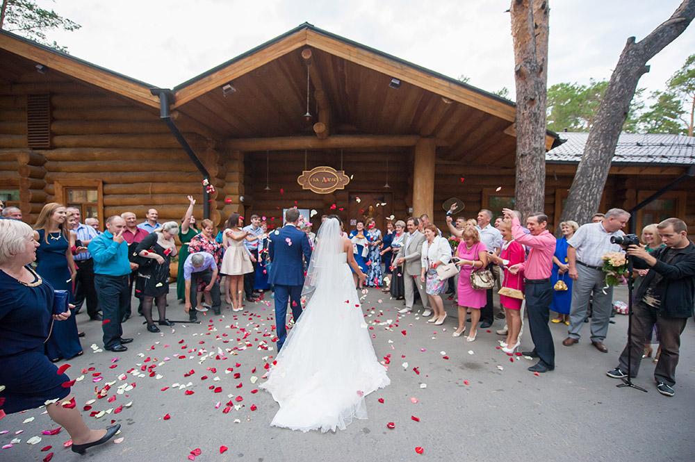 отправляем снять щагородный дом для свадьбы косметика